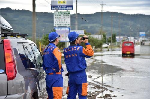 長野県警察本部:救助・復旧の様子(20191014_人命救助活動及び交通整理の状況等)