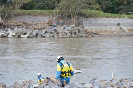 長野県警察本部:救助・復旧の様子(20191018_安否不明者の捜索活動)