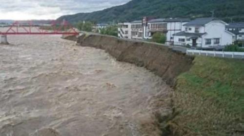 被災状況(千曲川河川事務所提供)